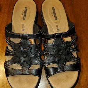 Clarks Size 8 black sandals.